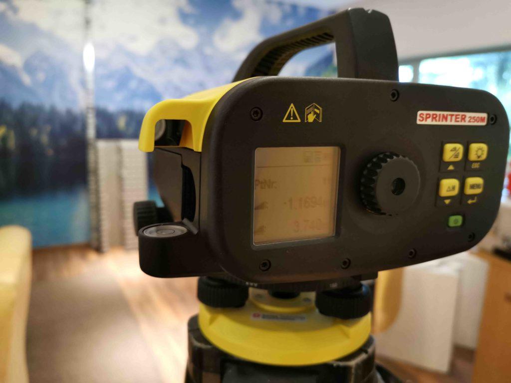 Digitalnivelliergerät Leica Sprinter 250M mit Strichcodelatte
